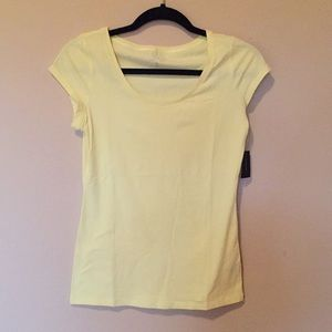 ✨SALE✨ NWT The Limited yellow perfect tee